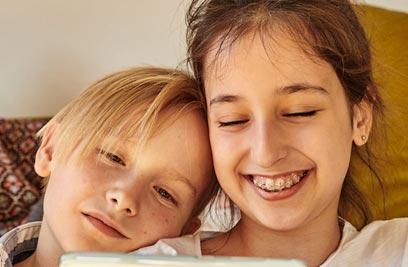 Schützen Sie das Strahlen Ihrer Liebste: Kieferorthopaedie für Kinder