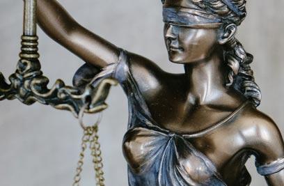 Rechtsschutzversicherung: Absicherung Streitfall und Schutz bei rechtlichen Ansprüchen durch Dritte