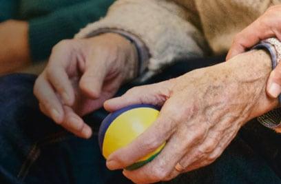 Lebensqualität erhalten: auch im Pflegefall mit dem Pflegetagegeld